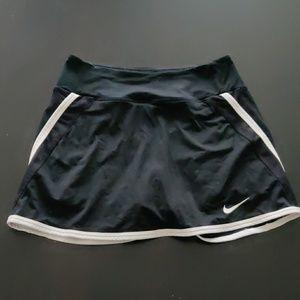Nike black tennis skort skirt with shorts